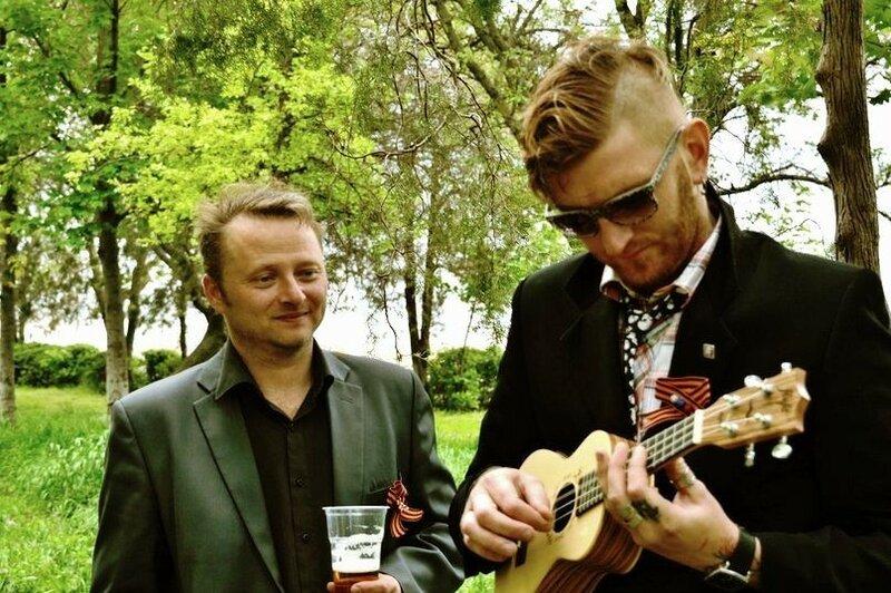 Музыкант и певец Владимир Порохняк... 011