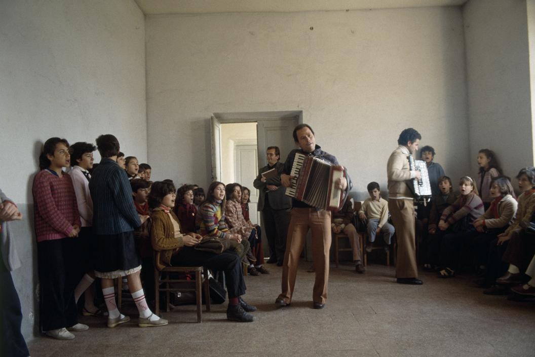 1990 Albania  Sirande. Young Pioneers concert rehearsal.jpg