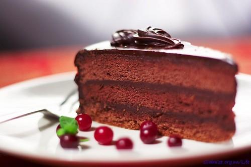 Чтобы похудеть, необходимо начинать обед с десерта