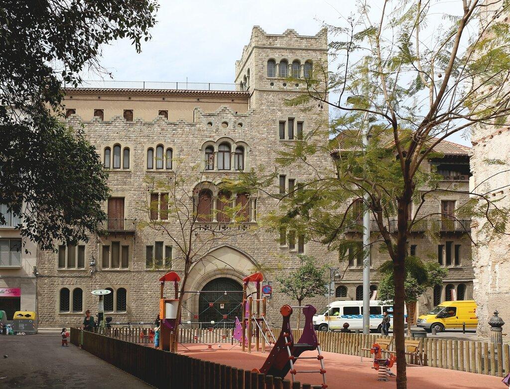 Библиотека Бальмеса (Biblioteca Balmes), Барселона
