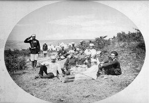 Група офицери от 3-та Гвардейска пехотна дивизия по време на отдих, вероятно в лагера край Яръм-Бургас (днес Кумбургас, Турция), 1878 г.