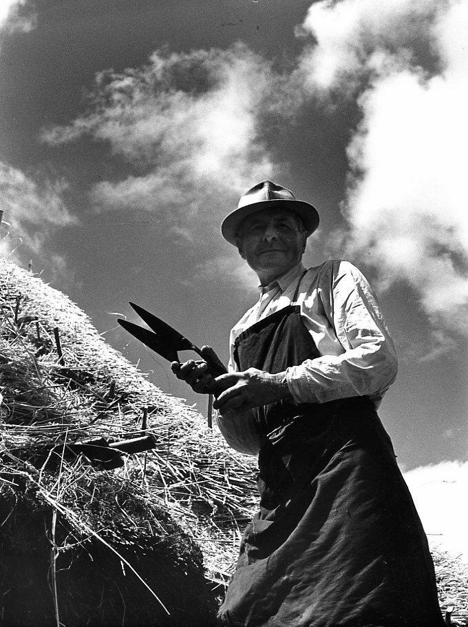 1965. Ив Кронне, кровельщик из Сен-Пиат