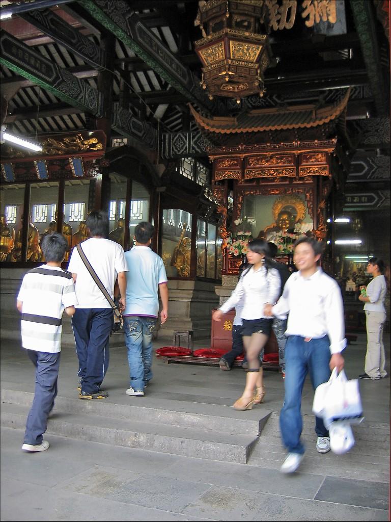 Зал Архатов, монастырь Гуйюань, Ухань