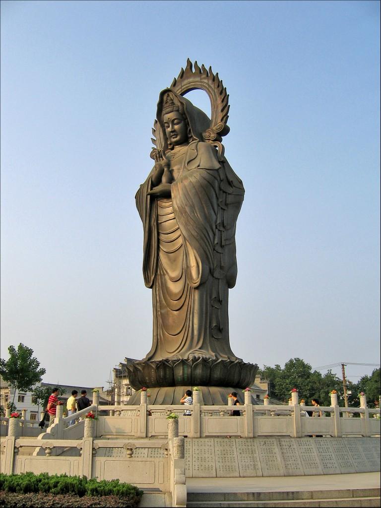 Статуя Гуаньинь, монастырь Гуйюань, Ухань