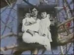 с мамой и сестрой. Петроград 1918 год