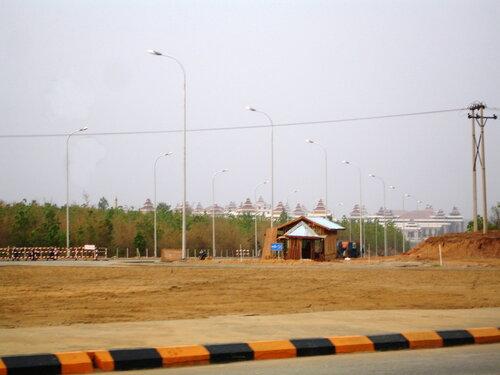 Шлагбаум на дороге к храму представительной демократии