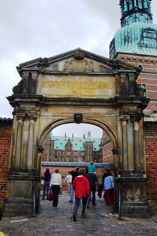 Входные ворота в замок Frederiksborg.