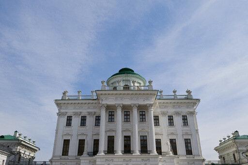 Дом Пашкова готовиться к открытию после реставрации.