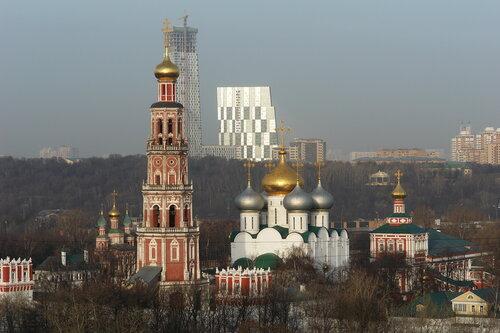 Зеркала за Новодевичьим