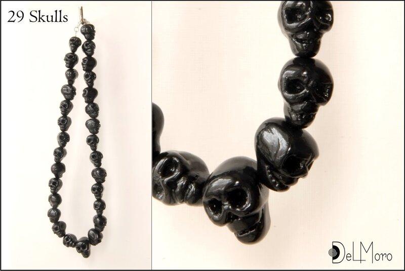 """Ожерелье  """"Двадцать девять чёрных черепов """"."""