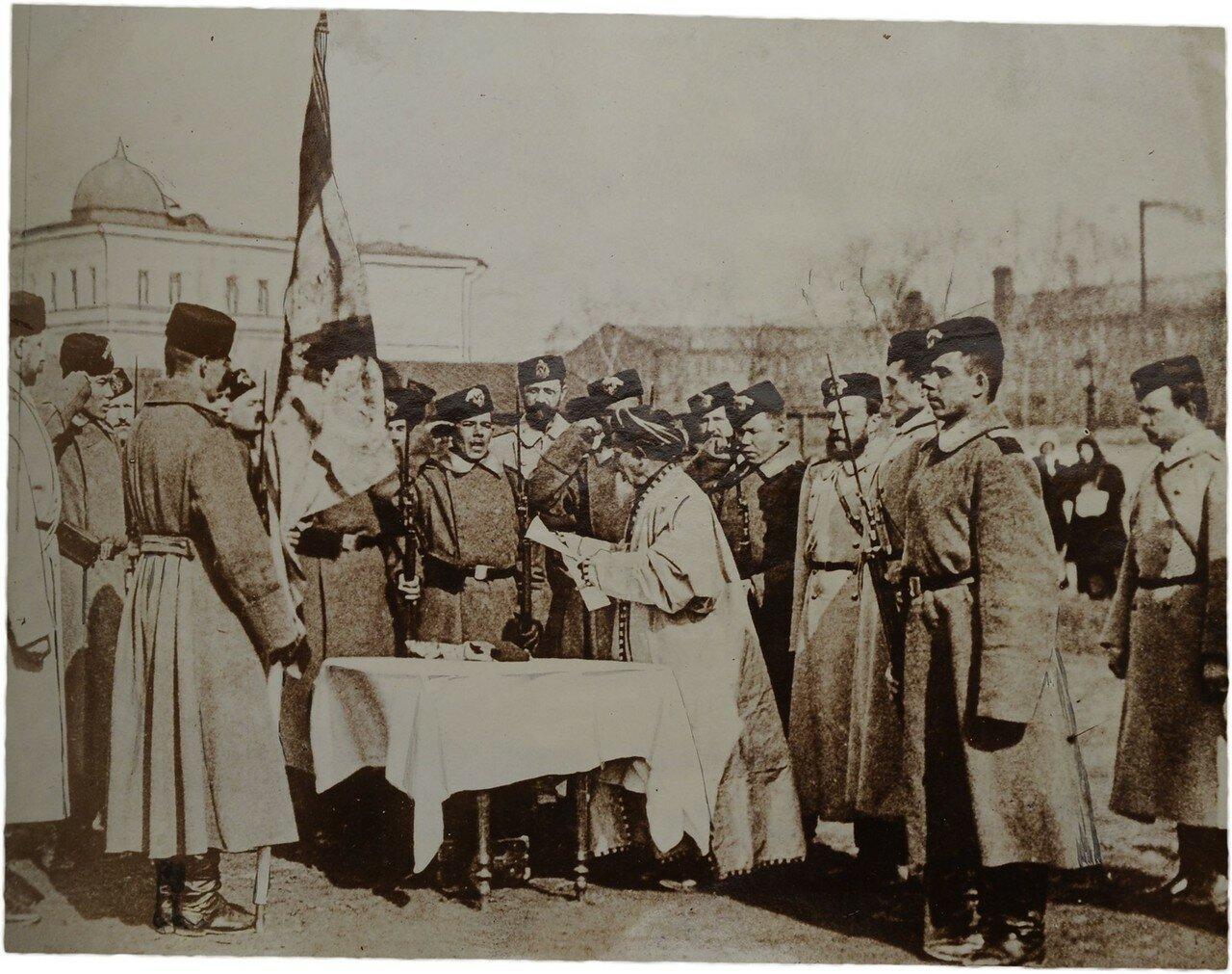 Фото принесения присяги солдатами мусульманами перед отправкой на фронт. 1904