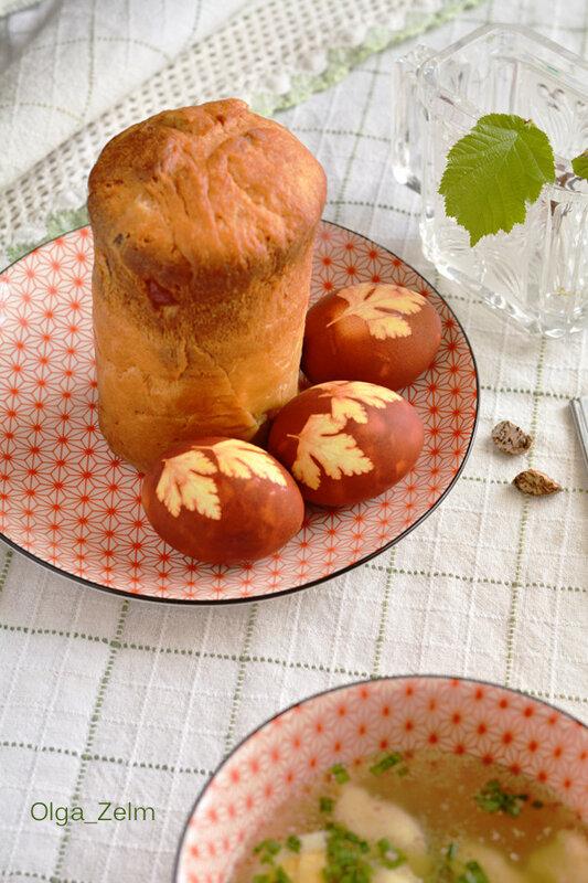Куриный бульон с шафранно-манными клецками