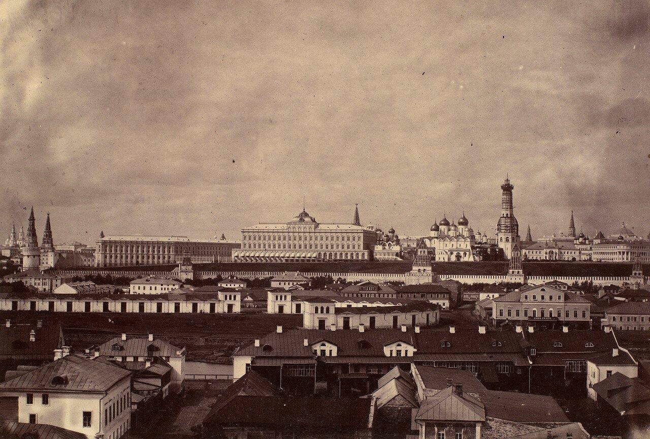 662281 Вид на Кремль J. Mack.jpg