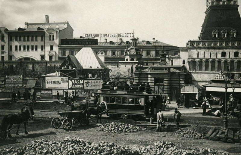 Укладка плитки на Лубянской площади