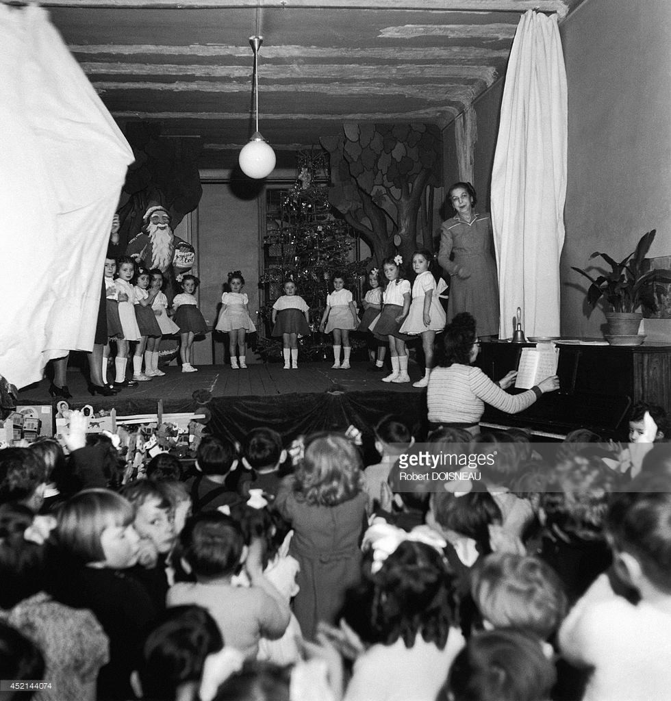 1946. Рождественское представление в начальной школе 24 декабря в Монруже