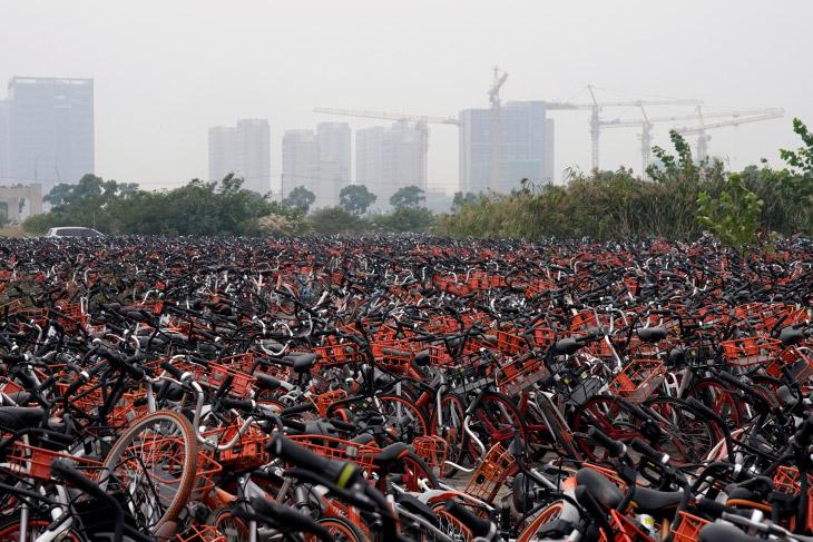 Кладбище велосипедов в Шанхае (14 фото)