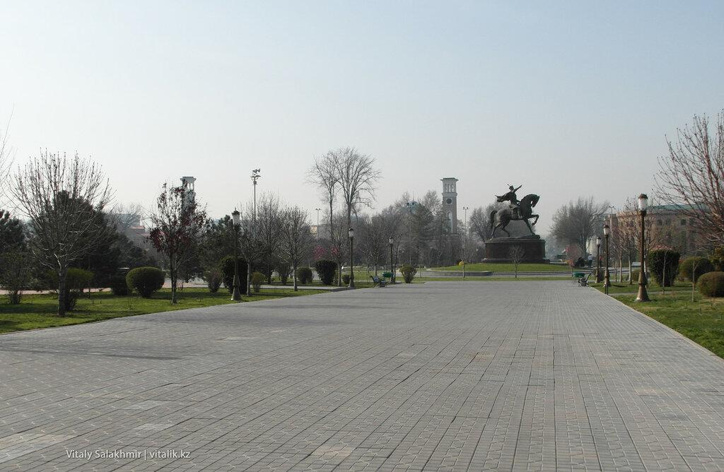 Памятник в сквере Амира Темура, Ташкент