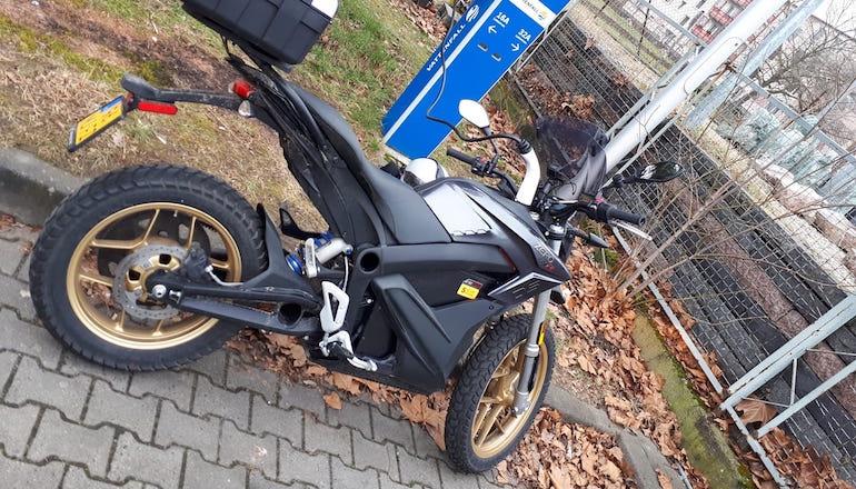 Немецкий мотоциклист проехал рекордную дистанцию на электроцикле за 24 часа