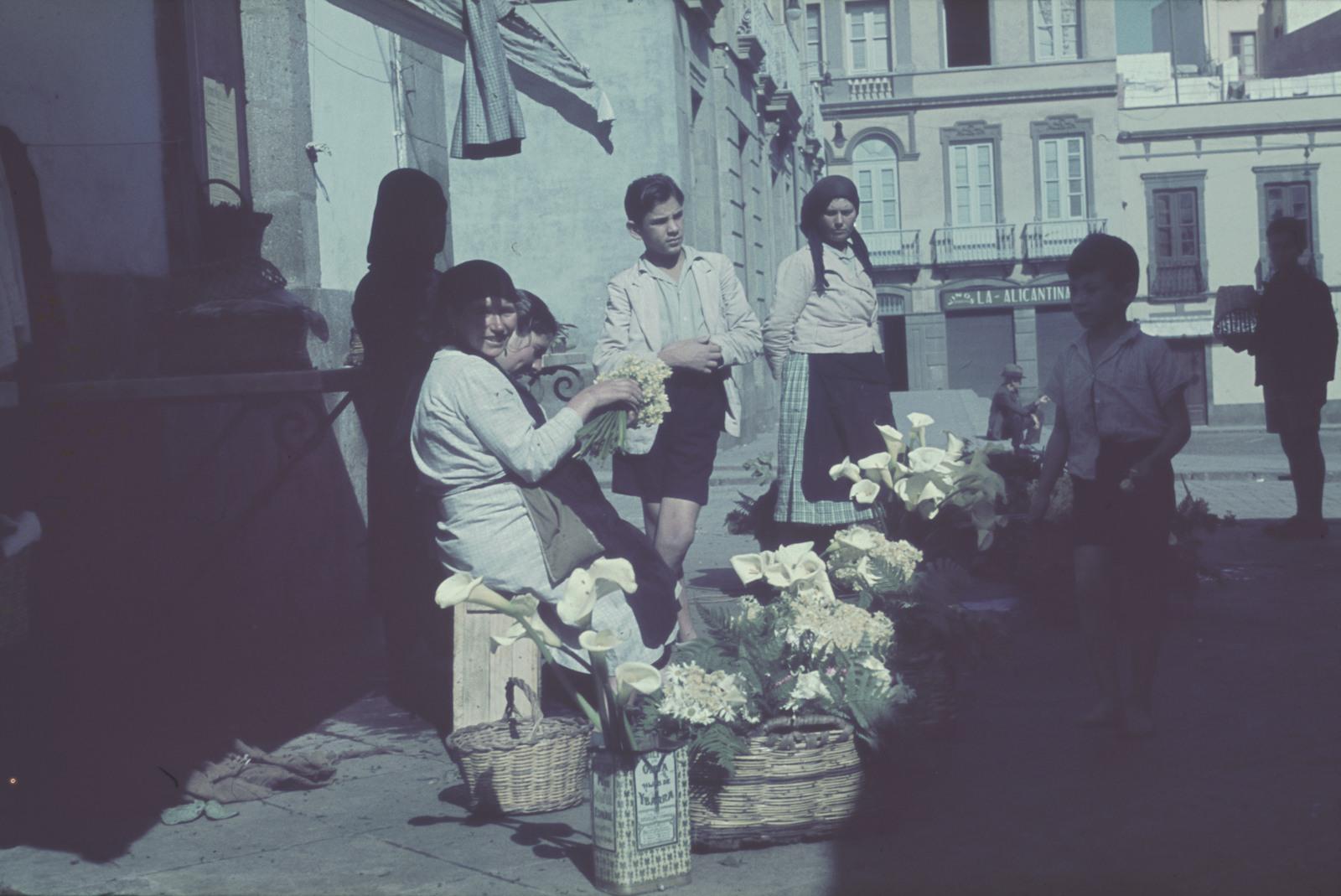 Мексика. Продавец цветов
