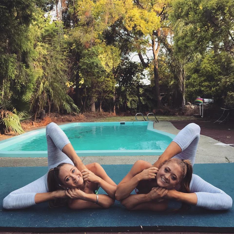Близняшки-акробатки из Австралии покорили интернет благодаря своим потрясающим трюкам