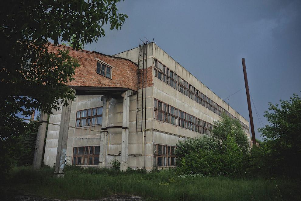 завод Новый вид керамические изделия заводы производство 2000 год фарфор