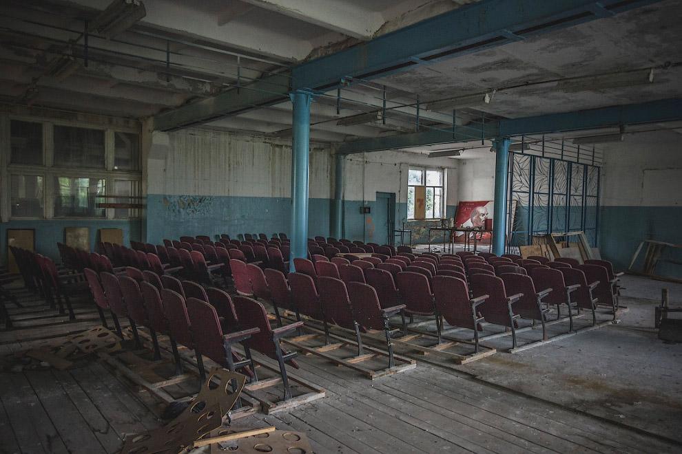 Руины фарфорового завода