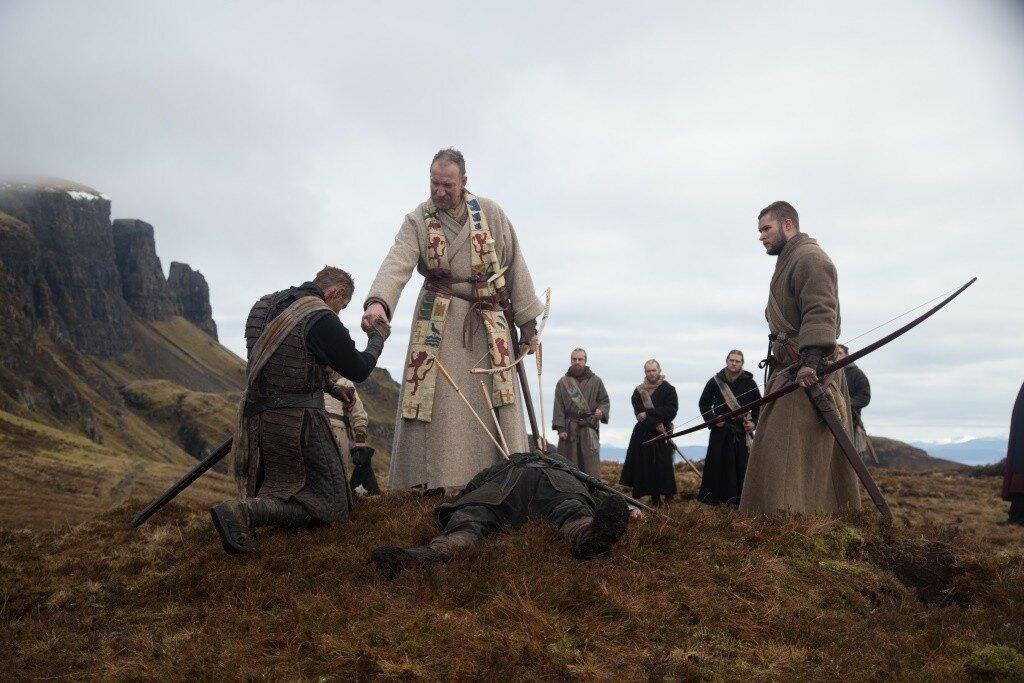 Macbeth (Michael Fassbender, links), Duncan (David Thewlis, mittig) und Malcolm (Jack Reynor)