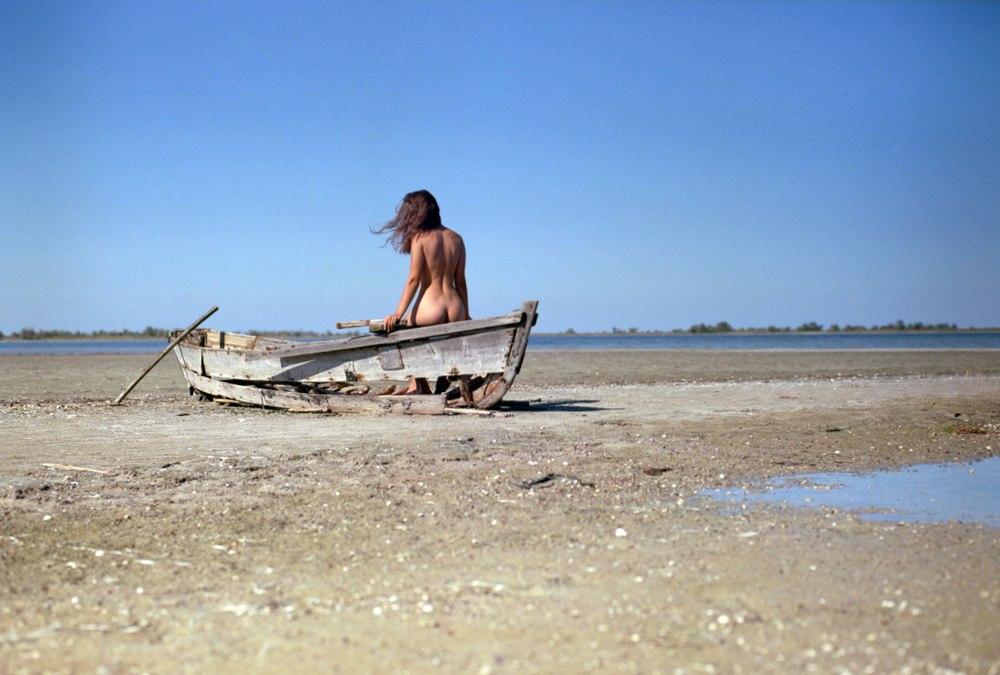 Чувственные фотографии обнаженных девушек Эжена Рено