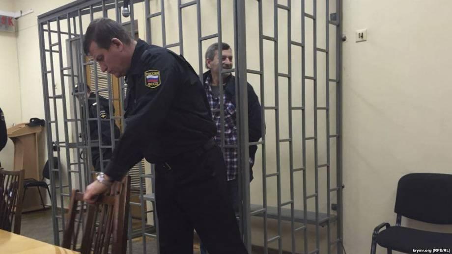 Суд продлил срок содержания под стражей мэра Затоки и бывшего главы земельной комиссии, - прокуратура
