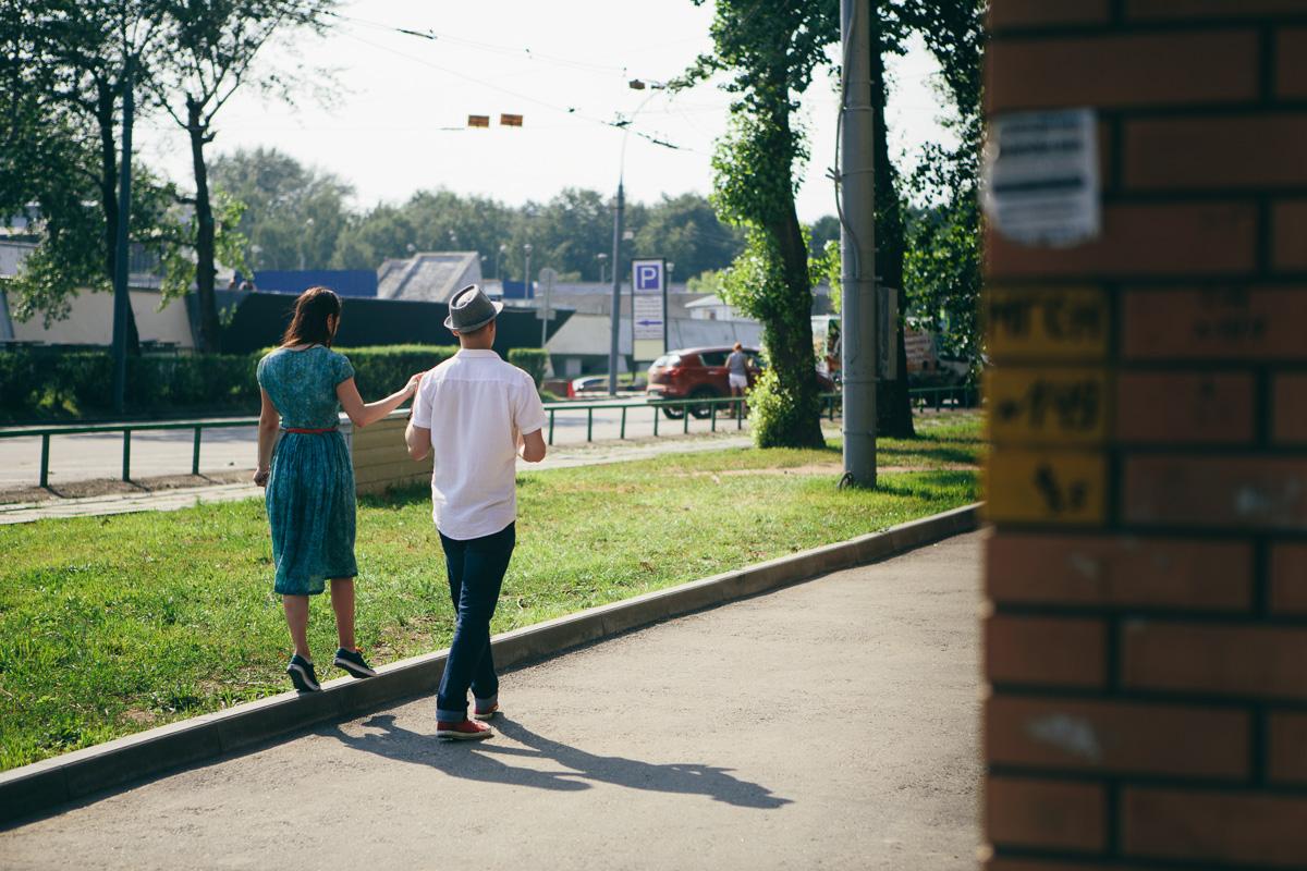 съемка предсвадебной лавстори пары на улицах Москвы