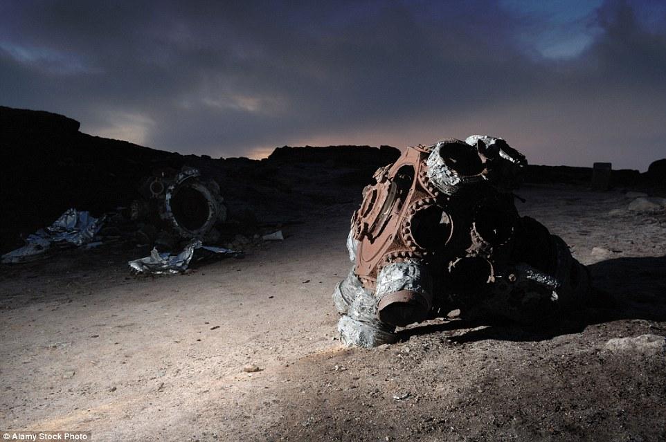 Эта жутковатая фотография была сделана на месте крушения бомбардировщика B-29, который разбился при