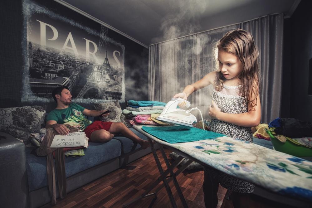 «Наша мама очень любит, когда дома порядок ичистота, атут мыделаем, что хотим»,— шутит Марат.