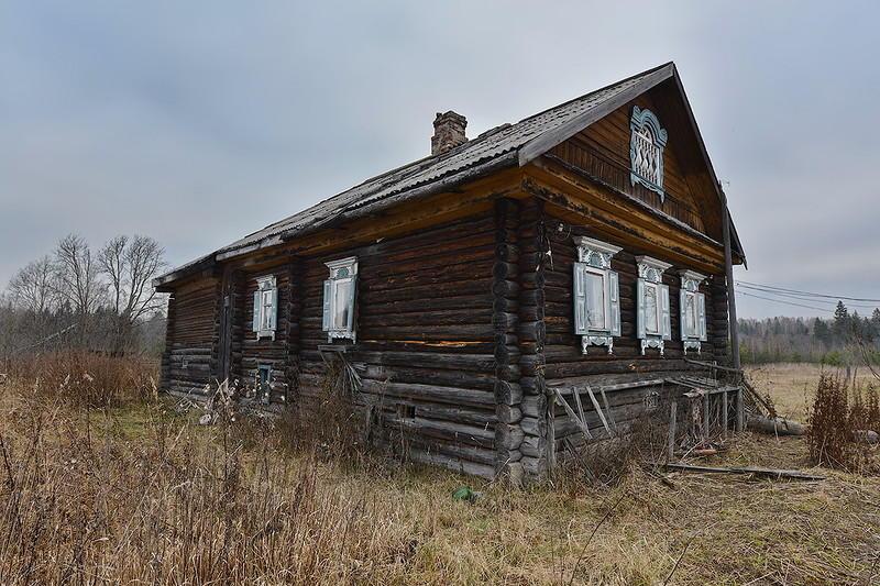 7. Дом шестистенок, на невысоком подклете – типичный представитель крестьянской избы Русского Севера