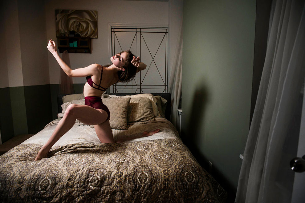 Кассандра Тренери, солистка в Американском театре балета. Живет с мужем, тоже танцором. Описывает сп