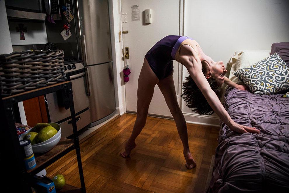 Катрин Борен, кордебалет в Американском театре балета. Уроженка Техаса, Катрин живет в студии на Ман