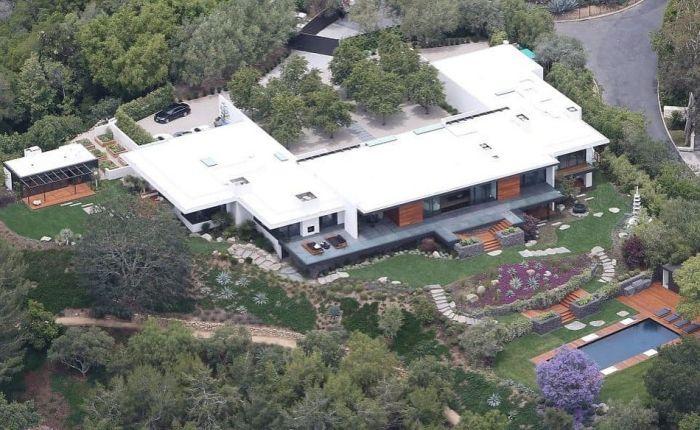 2. Джулия Робертс, дом в Malibu Beach  Из окон дома Джулии Робертс открывается шикарный вид