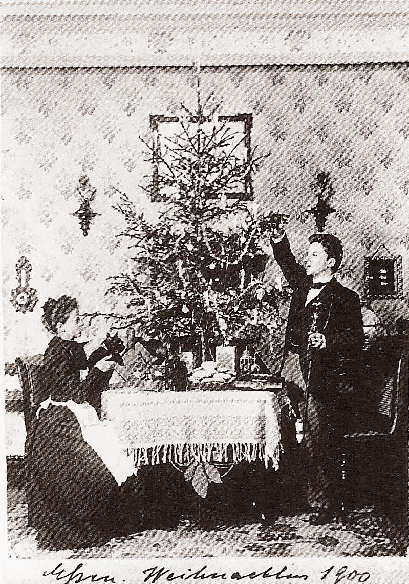 История семьи, которая фотографировалась на каждое Рождество с 1900 по 1942 год (8 фото)