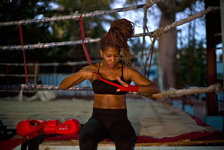 Кубинские женщины требуют разрешения заниматься боксом и участвовать в Олимпиаде
