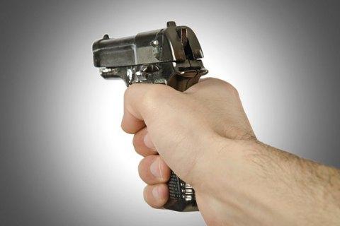 ВКиеве агрессивный шофёр выстрелил впешехода-нарушителя изтравмата