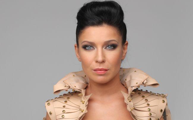 Эстрадная певица Елка впервый раз за большое количество лет сменила стиль