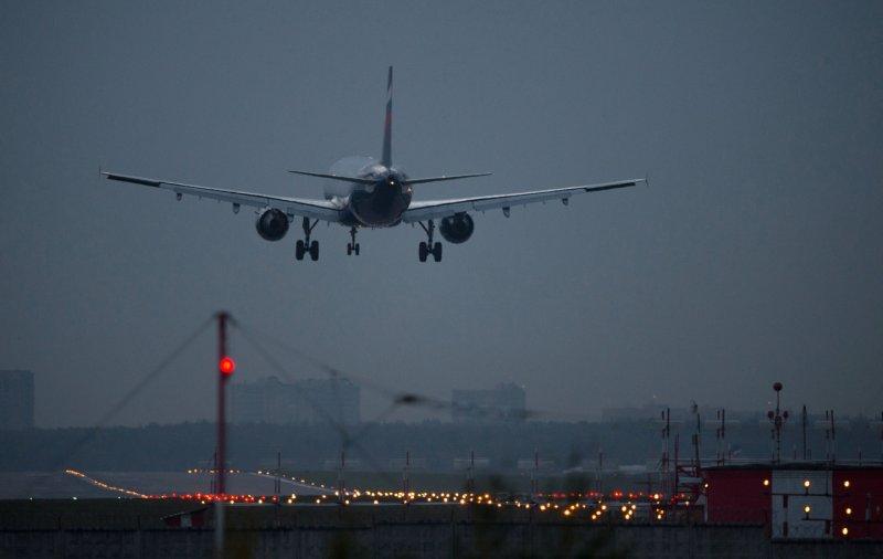 Самолет изДубая вынужденно сел вКазани