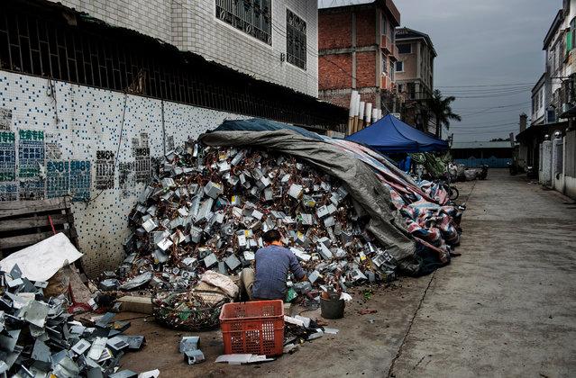 E-Waste Problem (7 pics)