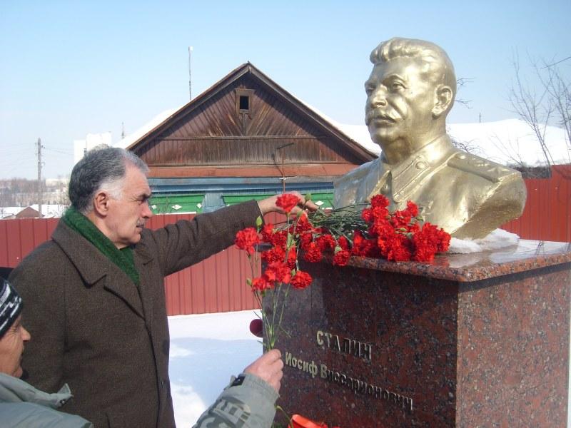 Памятник Сталину. Пенза.jpg