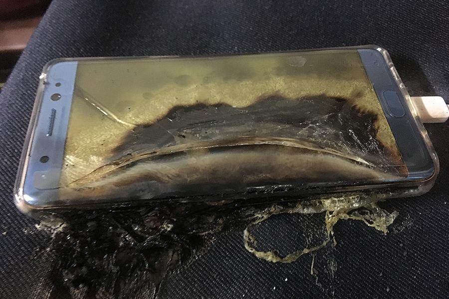 В США провоз Samsung Galaxy Note 7 в багаже самолета стал уголовным преступлением