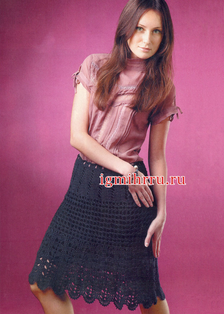 Черная ажурная юбка, связанная из трех частей. Вязание крючком