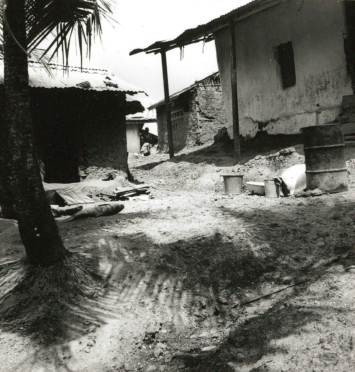 Сасандра. Хижины в городских трущобах