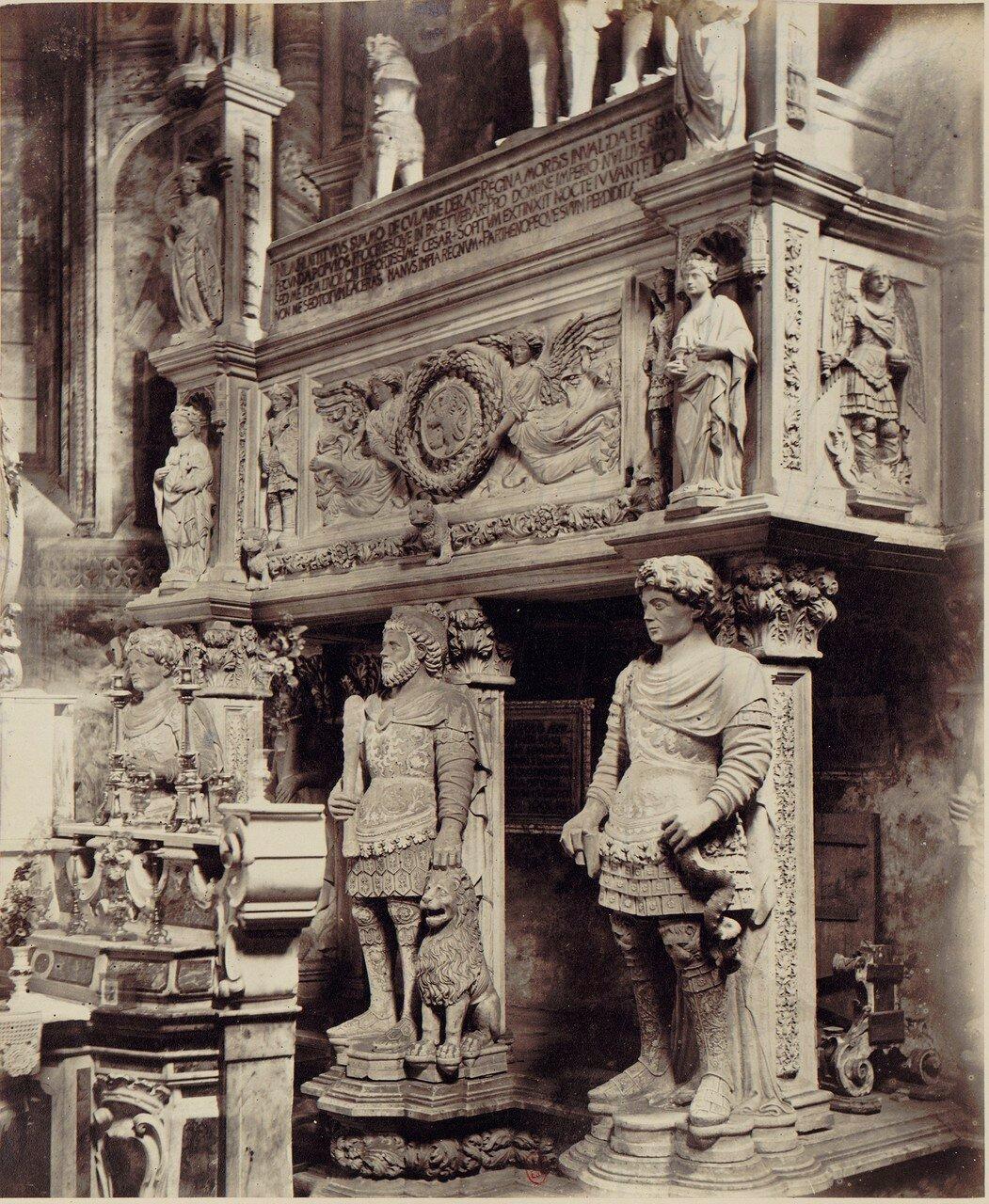 31. Церковь Святого Иоанна на ул.Карбонара. Гробницы Великого сенешаля Караччоло и королевы Жанна II