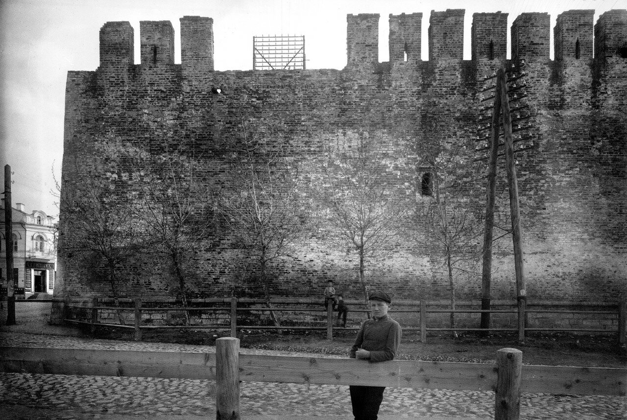 Крепостная стена у Троицкого пролома. 1909