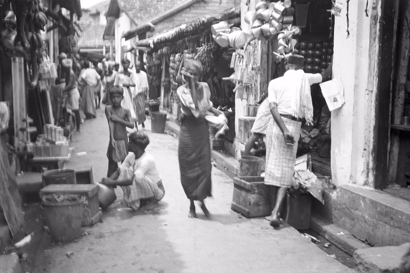 234. Уличный рынок в районе Петтах в Коломбо