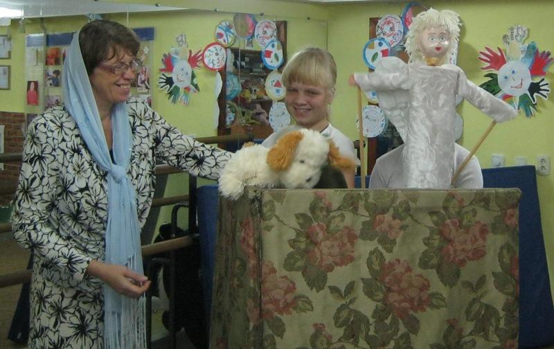 О куклах, прищепках и радости – в Алчевской Духовной лечебнице